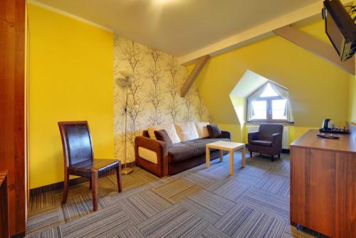 apartament-2-pokojowy-na-poddaszu-bez-balkonu3