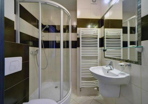 apartament-2-pokojowy-na-poddaszu-bez-balkonu4